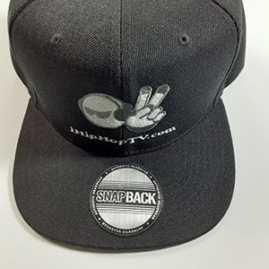 HAT SNAPBACK BLACK (embroidered logo)